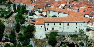 rovine del castello Longobardo di Laurino