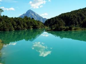 Lago di Barcis con riflessi