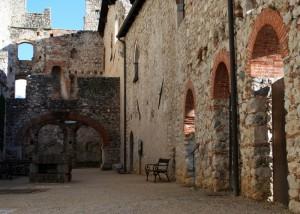 L' antico borgo del castello