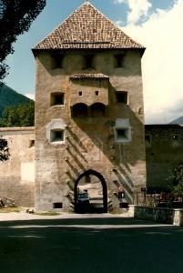 Glorenza - una delle torri di accesso al borgo medievale