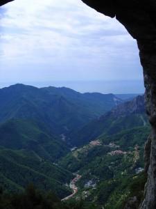 Finestra con vista dal Monte Forato