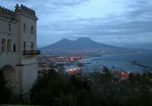 Veduta notturna di Napoli