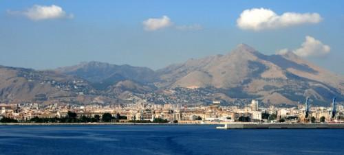 Palermo - Veduta di Palermo vista dal mare.
