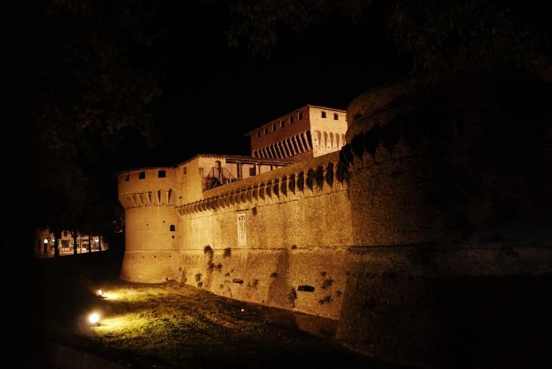 ''la rocca di notte..'' - Forlì