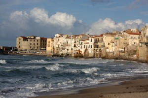 Cefalù, scogli e Porta Pescara