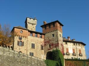 L' autunno abbraccia il castello di Tagliolo Monferrato