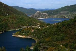 Tra lago e verde Castel di Tora