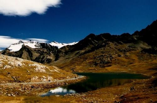 Valfurva - il laghetto e le montagne di Passo Gavia