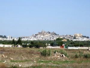 Oria vista dalla strada per San Cosimo