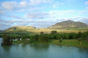 Il lago Poma sullo Jato
