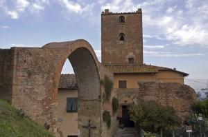Torre e arco di Castruccio Castracani