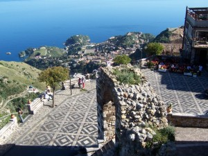 Dalla Piazzetta di Castelmola a Taormina
