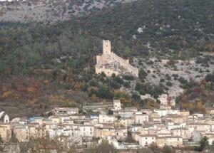 il castello a dominio del borgo