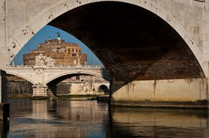 Un Angelo tra i ponti