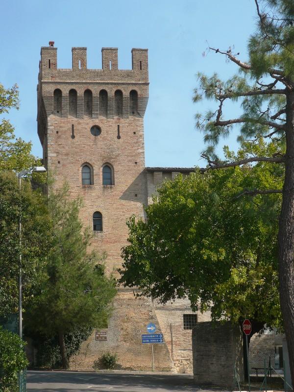 ''Castello di Cassero'' - Camerata Picena