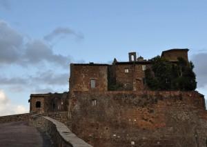 Salendo Verso il Centro Storico e Borgo Vecchio di Celleno (VT)