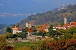 I presunti castelli dell'Innominato+paese Rossino