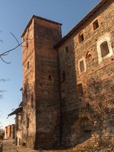 Torre del castello di Lenta
