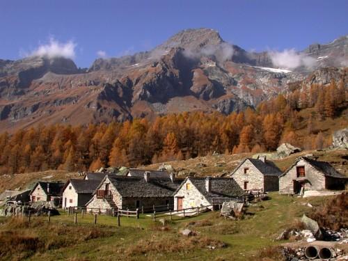 Varzo - Gruppo di baite all'alpe Veglia
