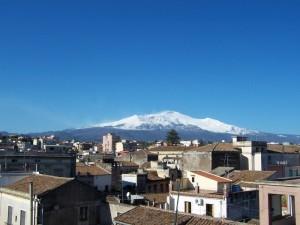 I tetti di Aci e l'Etna