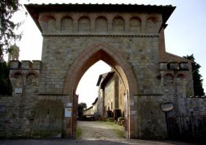 Castello di Linari porta del borgo