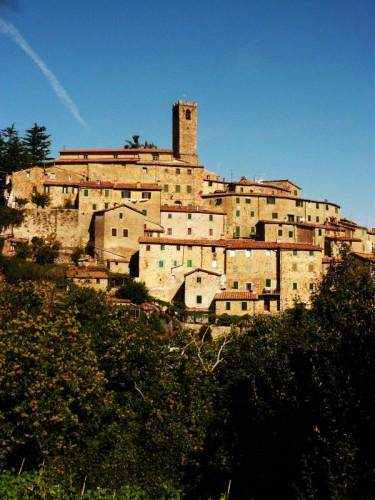 Castelnuovo di Val di Cecina - il borgo di catelnuovo di v. di cecina
