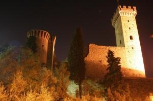 Il Castello dei Vescovi di Luni si veste d'autunno