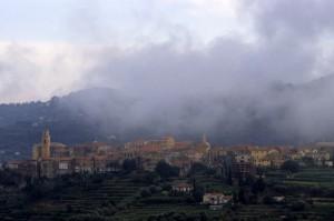 Nuvole basse a Diano Castello