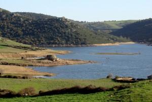 Il Nuraghe sul lago Lerno