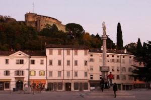 La piazza e il castello
