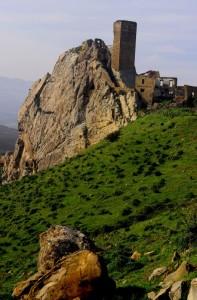 Monolito o Castello, comunque Gresti