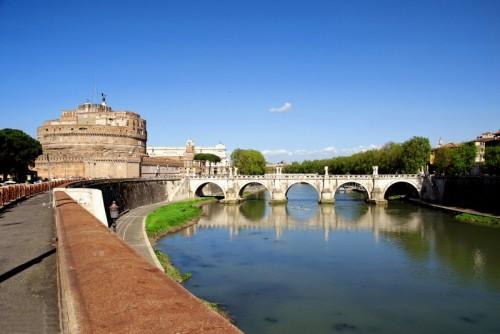 Roma - Castel Sant'Angelo visto dal Lungotevere