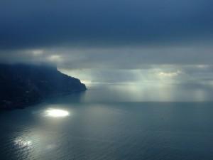 La pioggia insegue la luce…