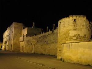 resti del castello del palazzo marhesale melpignano(le)