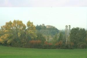 Spunta il Castello di Bargone fra i colori dell'autunno