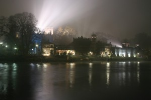 Borgo Medievale tra la nebbia