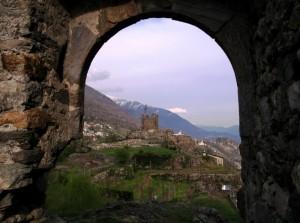 Oltre la porta del castello
