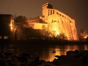 Riflessi del castello Borromeo