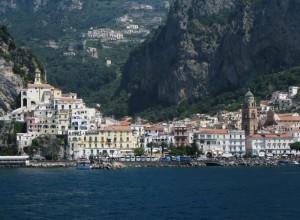 il battello sta arrivando ad Amalfi
