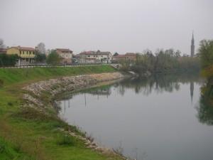Vista di Campo San Martino dall'ansa Brenta II