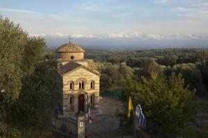 La Piana e la chiesa ortodossa dei Santi Elia e Filareto