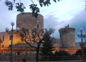 Venosa - Castello Aragonese - Torre nord e torre ovest