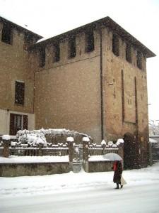 Il castello di Bellusco sotto la neve