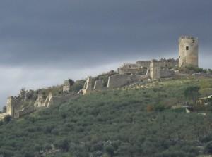 Ruderi del Castello Longobardo da Avella
