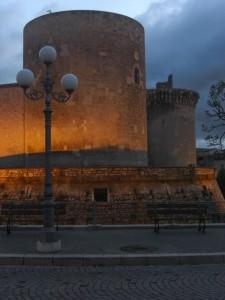 Venosa - Castello Aragonese al crepuscolo