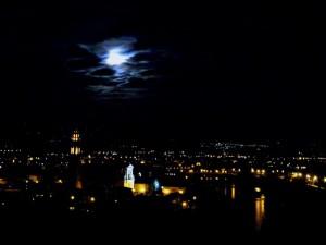 così son di notte , guarda che luna