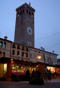Torre civica - Mercatino di Natale (1)