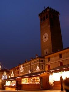 Torre civica - Mercatino di Natale (3)