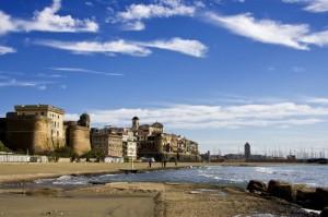 Il forte, il borgo e il mare