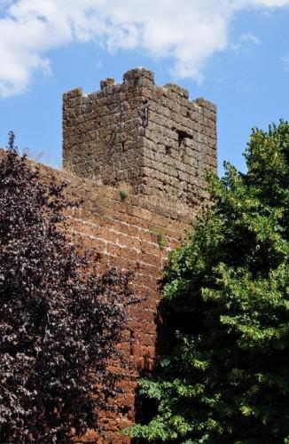 Barbarano Romano - Torre e Mura di Barbarano
